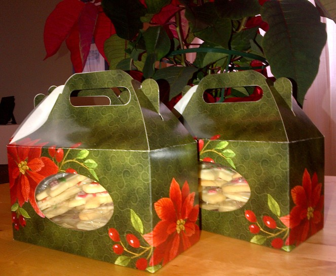 I filled these boxes with Christmas sugar cookies. Yum!