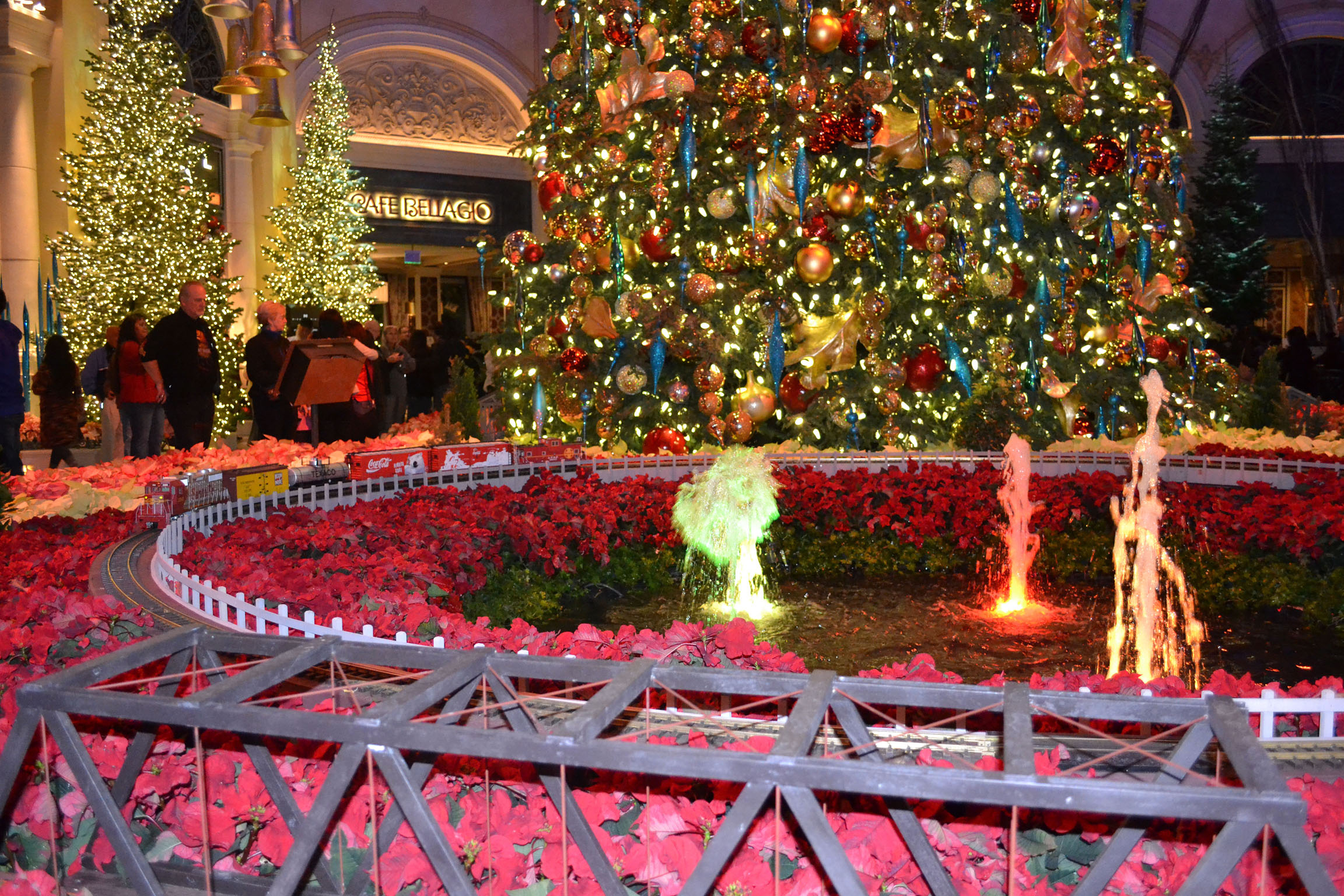 A farm girl does vegas rural route ramblings for Beautiful indoor christmas decor