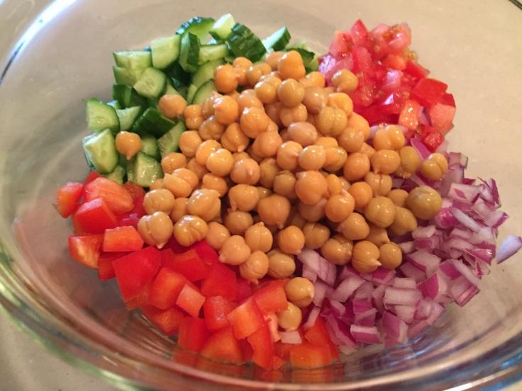Greek_chickpea_salad_ingredients